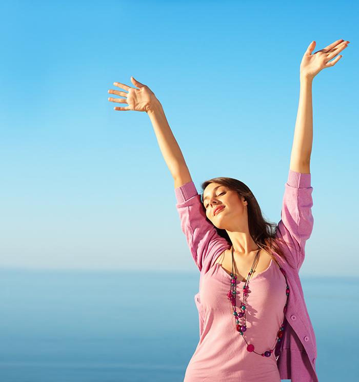 Mulher ao sol vitamina D saúde