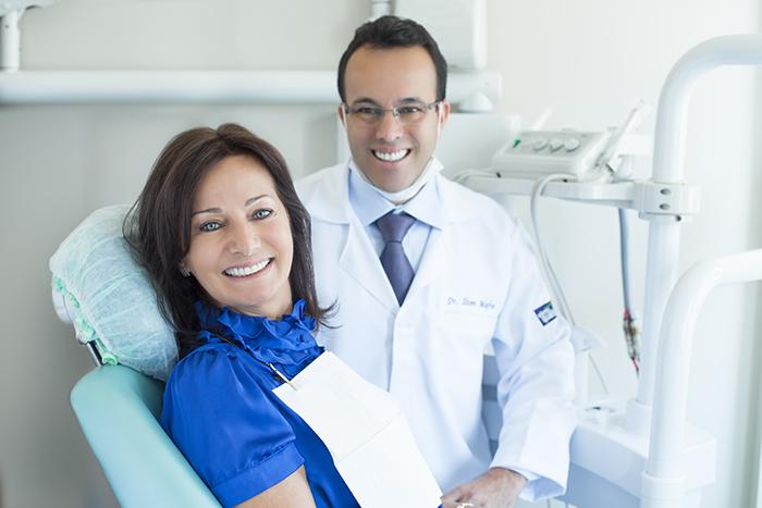 Dr Ilton José Mafra implantodontista adultos idosos